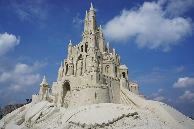 How to Build a Winning Sandcastle || TriPower Vacation Rentals
