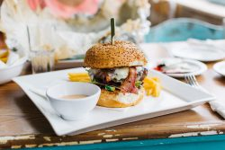 4 Fabulous Lunch Stops in Fort Myers Beach