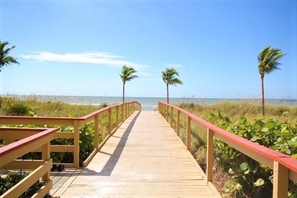 Beach_Villas_Beach_Walk